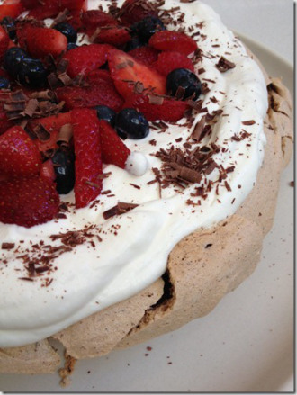 chocolate-pavlova_thumb1.jpg