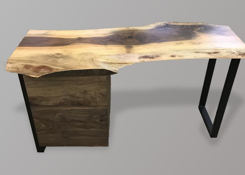 Desk 3.jpg
