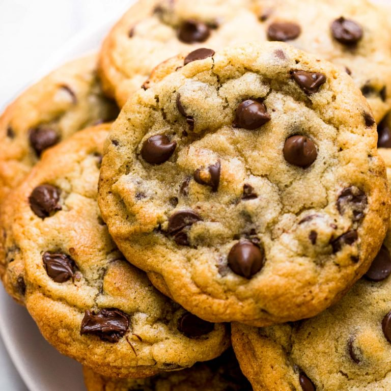 BAKERY-STYLE-CHOCOLATE-CHIP-COOKIES-9-768x768.jpg