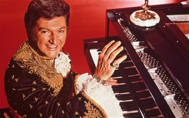 Liberace (credit: Rex Features)