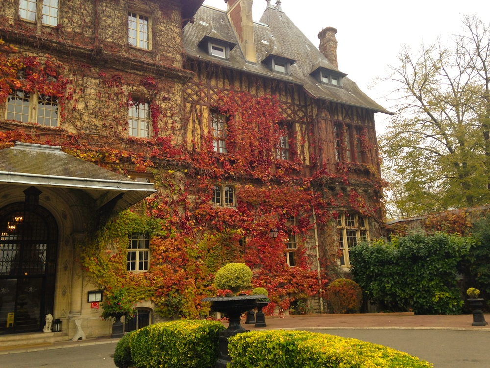 {View of the front of the chateau}