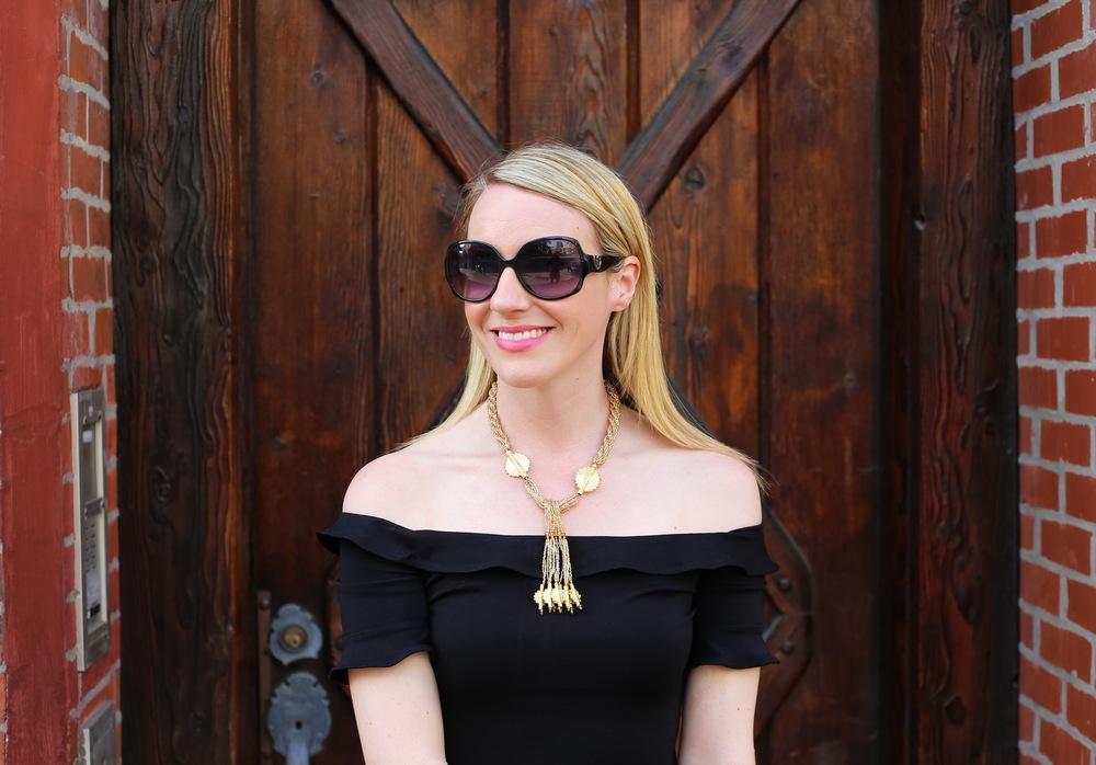 gold statement necklace.jpg
