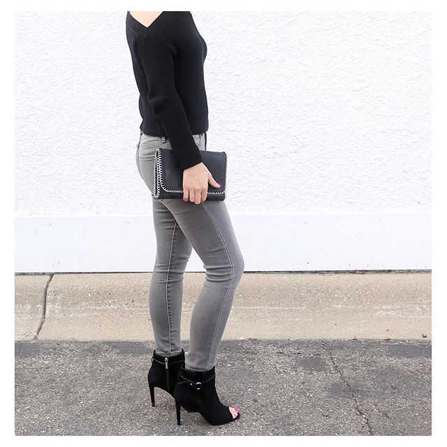Gray + Black=Perfect fall combo {To shop this look and other outfits featured on IG, click link in profile}