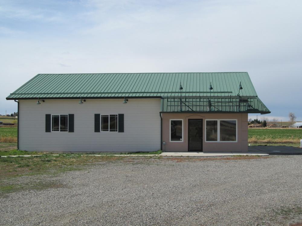 building_041212_e.jpg