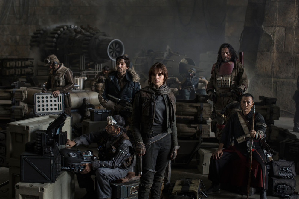 rogue-one-cast-photo-d23-1024x682.jpg