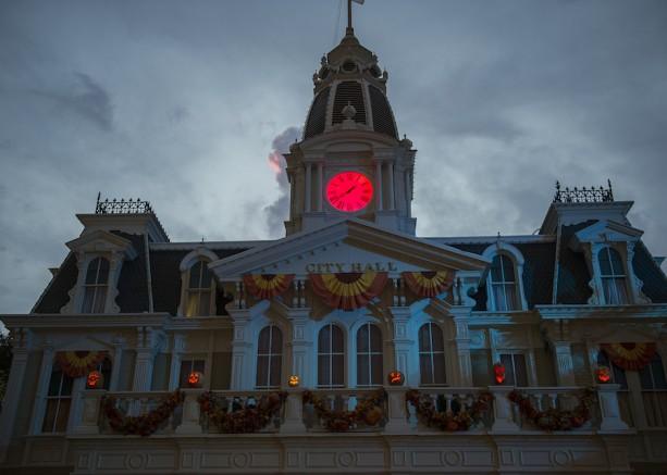 A spooky City Hall