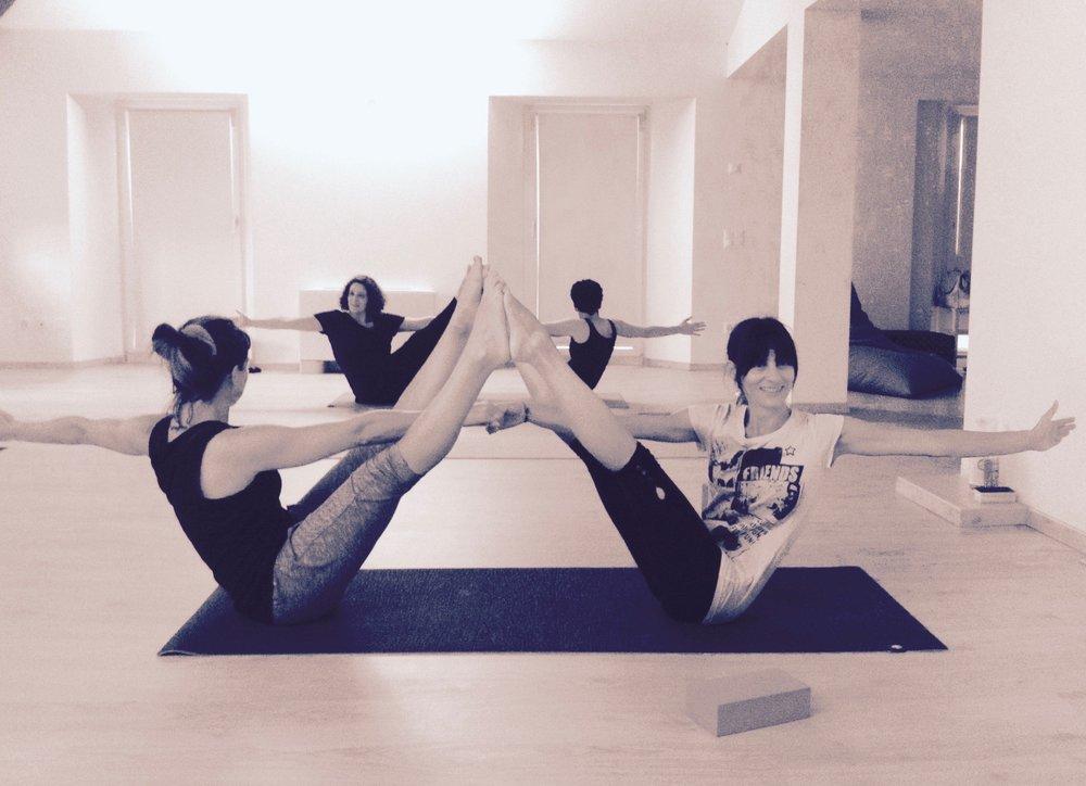 yogaashokanavasana2.jpg