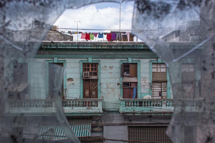 bobozeman-cuba-havana-rooftop.jpg