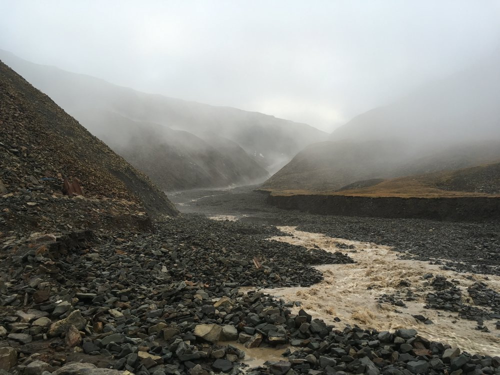 Rocks, mist and glacial outwash. Listening to silence and the sound of rockfall in Longyearbyen. September, 2017
