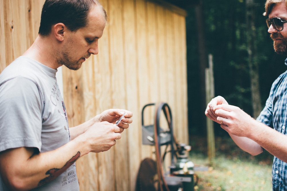 Will and Bryan discuss the ideal shucker at the Heartwood Forge workshop