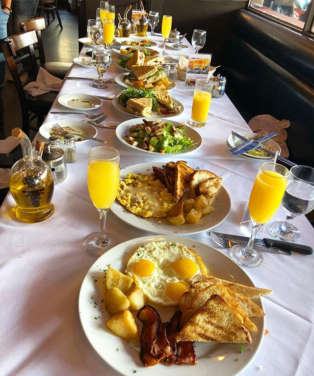 Our daily brunch with bottom mimosas is not to be miss.  How amazing 😉 it looks.