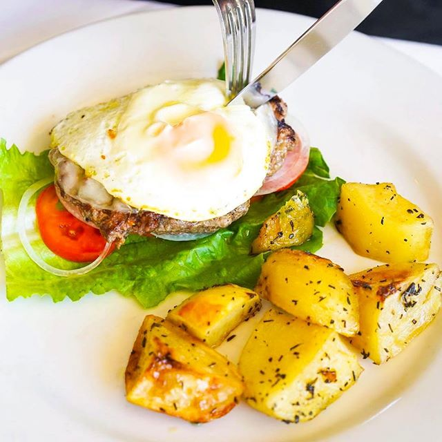Got Sunday brunch plan yet? Come try our brunch and is very affordable and delicious.  #Repost @topfoodiefaves ・・・ It's a yolk how delicious the brunch menu is at @modomio_palisades ❤️ We got our protein fix with this juicyyy burger (requested without the bun), and the potatoes were out of this world amazing too! 😍