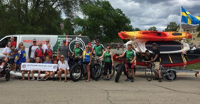 Thanks again to @millracecyclery 🚴for letting us participate in Swedish Days🇸🇪parade and thanks @kellyvanderploegphotography @tminderman for  providing plenty of helpers 👍🏄#paddleinparades #swedishdays #genevail #parade #suburbs  #biking #foxriver #midwestlife #midwest #enjoyillinois #chicagogram #summer #paddleboard #paddleboarding #suplife #sup #inflatablesup #inflatablepaddleboard #parade