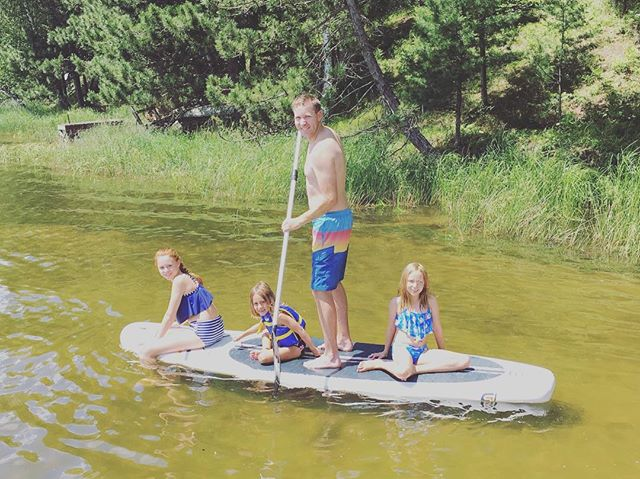 What separates SJ Paddle Boards inflatables from competition? Rigid enough for 3 extra passengers on your first paddle! 👍🏄#lakelife #lakehouse #paddleANYWHERE #northwoods #wisconsin #paddle #paddleboard #inflatablesup #suplife #inflatablepaddleboard #boat #boating #cottage #cottagestyle #laketahoe #midwest #yoga #familyfunday #familyfun #tomahawk #explore #newglarusbrewing #snipelake #eagleriver