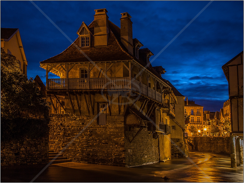 Salles Des Bains at Night by Ian Griffiths - HC (Int)