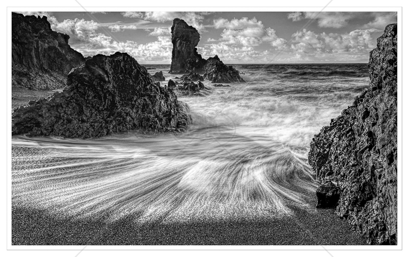 Dritvik Beach by Calvin Downes - C (ADV mono)