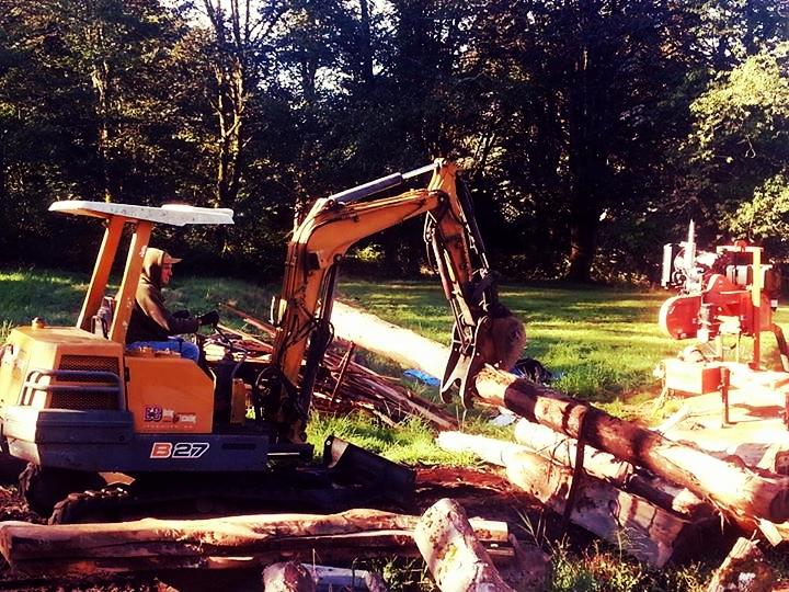 excavator.jpg