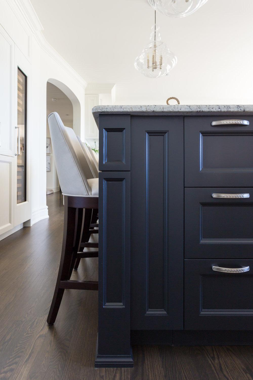 oakville-interior design-kitchen-custom-island-cabinetry-robson hallford