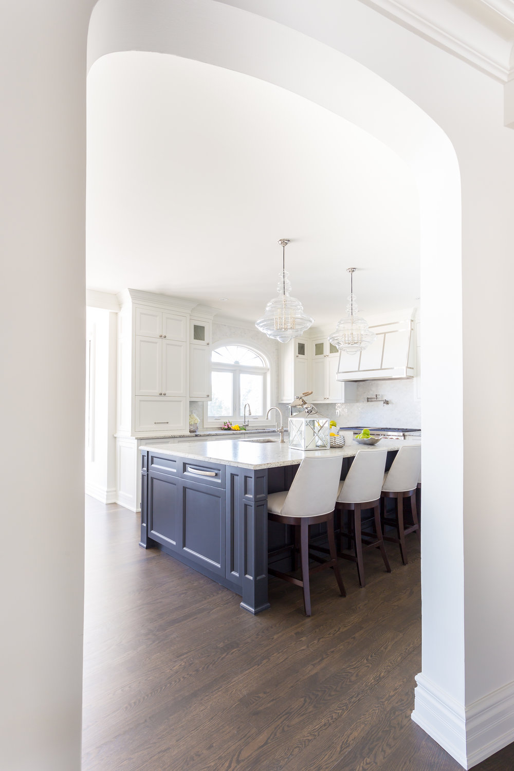 oakville-interior design-kitchen-custom-island-robson hallford