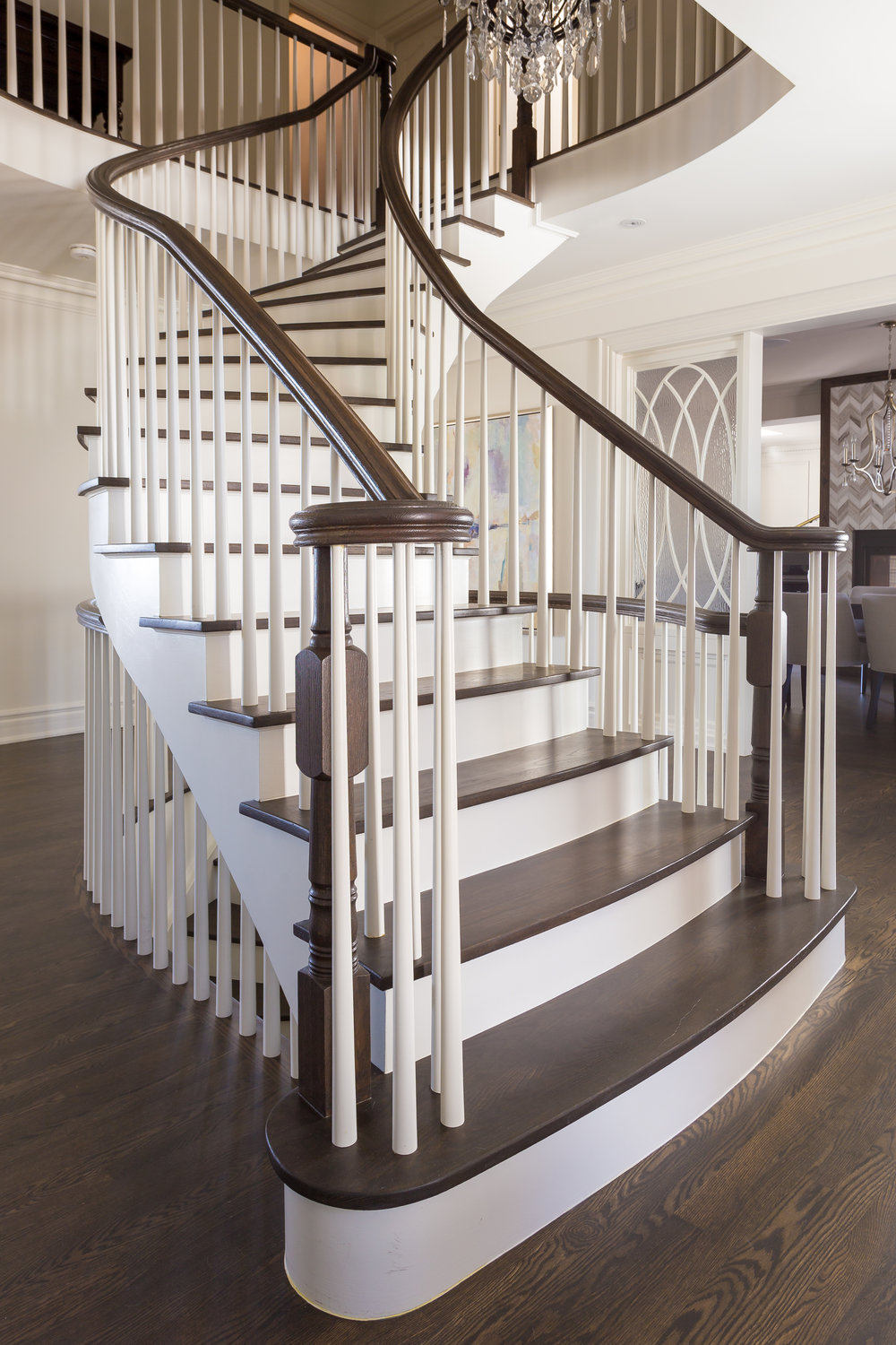 oakville-interior design-staircase-painted-wood-curved-robson hallford