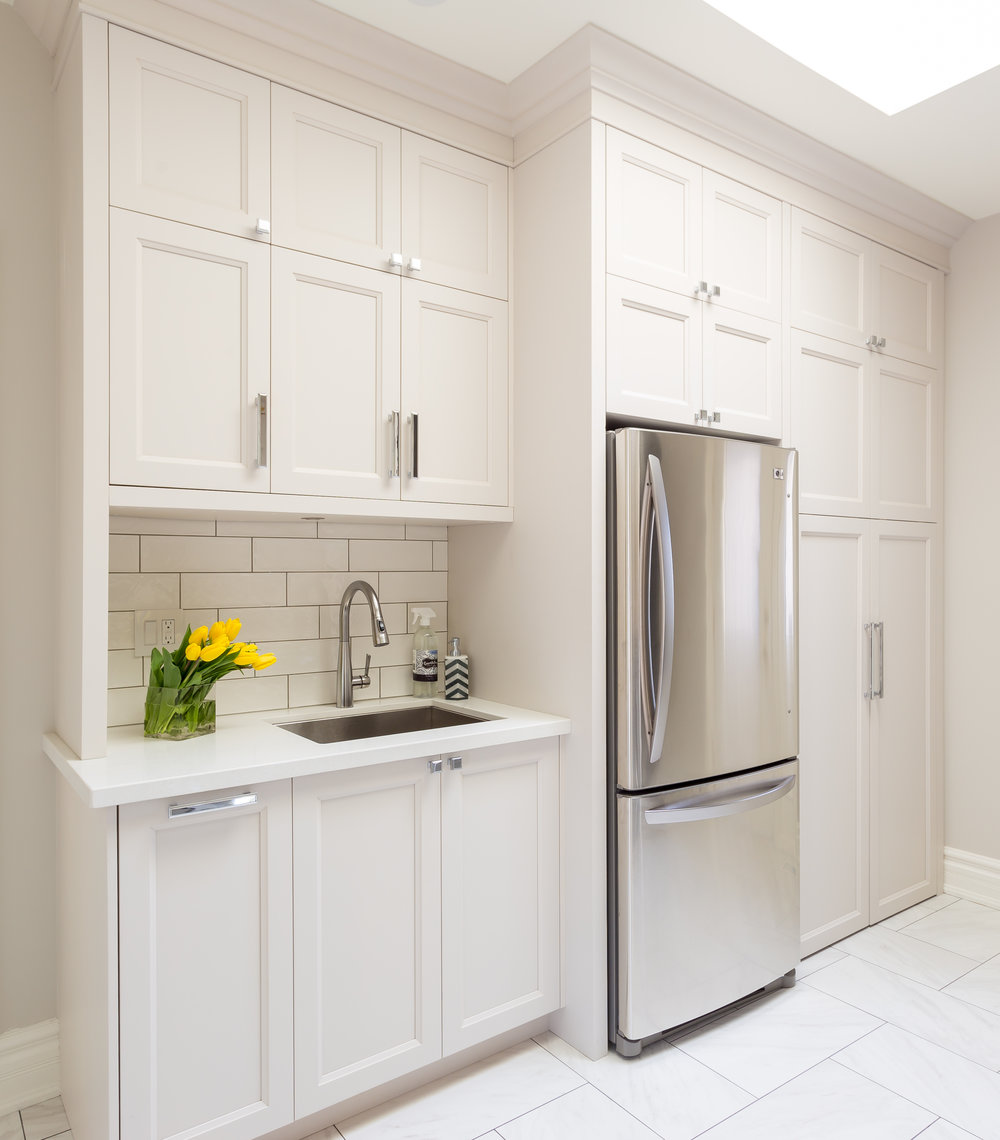 oakville-interior design-laundry room-custom-cabinets-robson hallford