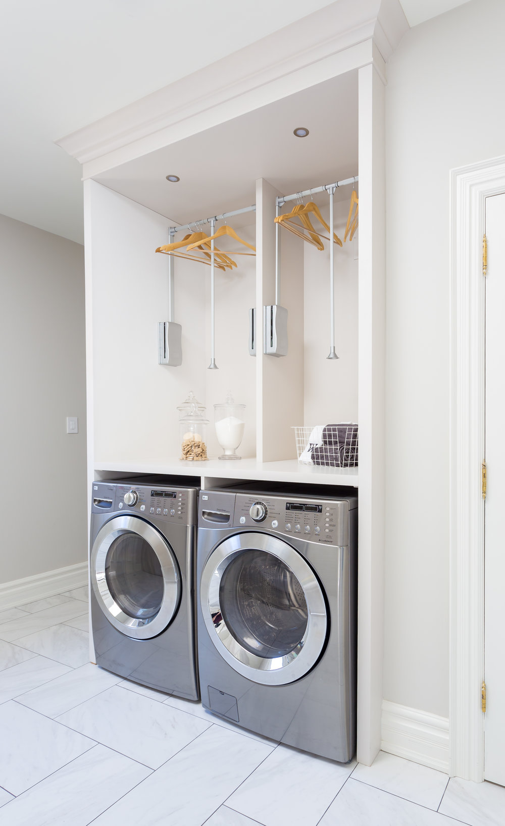 akville-interior design-laundry room-custom-cabinets-robson hallford