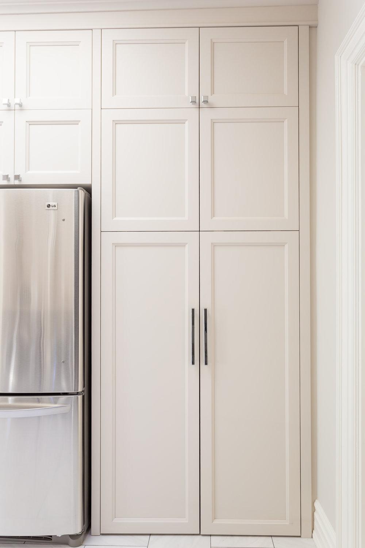 akville-interior design-laundry room-custom-cabinet-doors-robson hallford