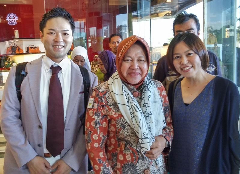 Mr. Kotaka & Mrs. Sekoyoshi had a photo opportunity with Madam Risma, the beloved Mayor of Surabaya.
