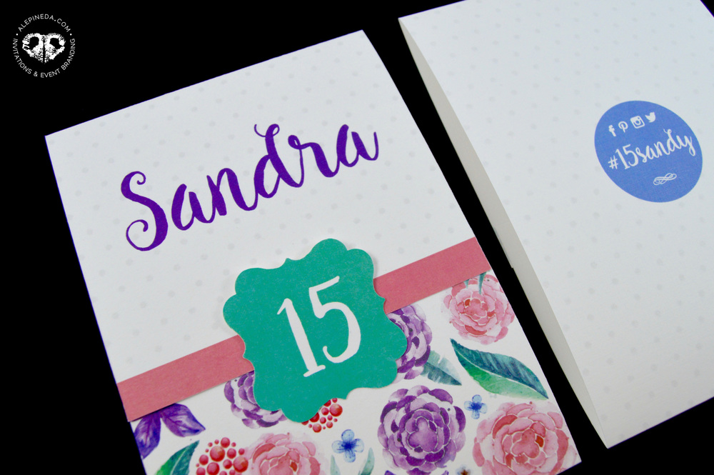 CHIC TRIFOLD