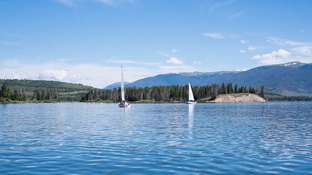 Sailing high on Dillon . . . .  #lakedillon #sailing #elevation #wind #rockymountains