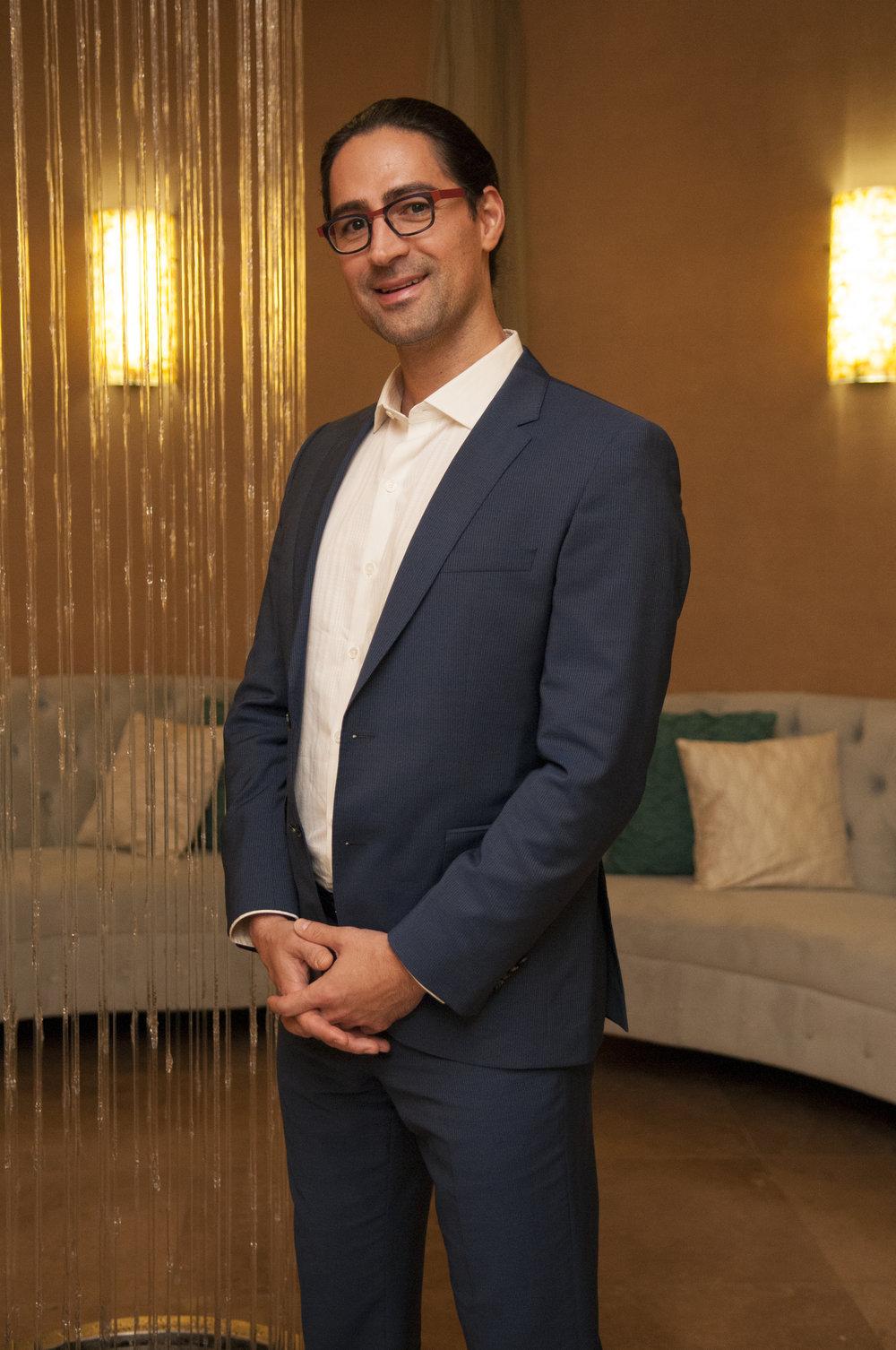 Scottsdale Modern Luxury Magazine - Plastic Surgeon Dr. Remus Repta