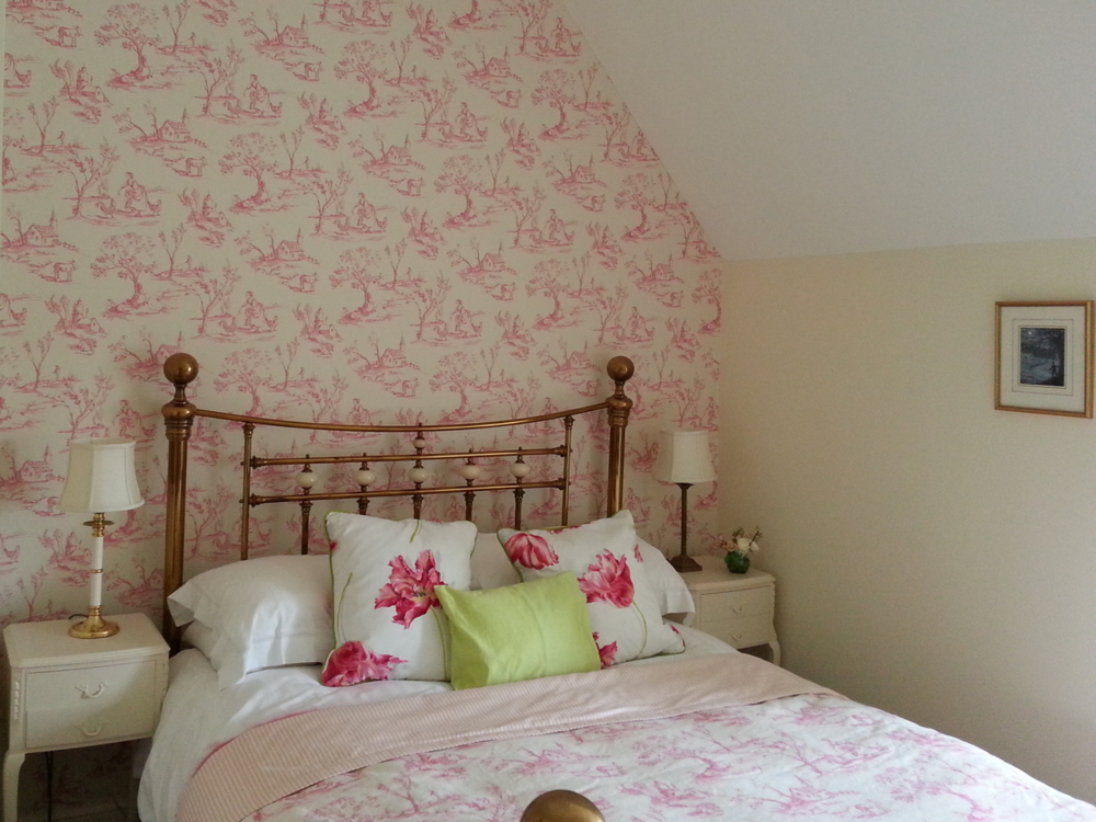 Craig Brooks Painting & Decorating - Pink feature wallpaper.jpg