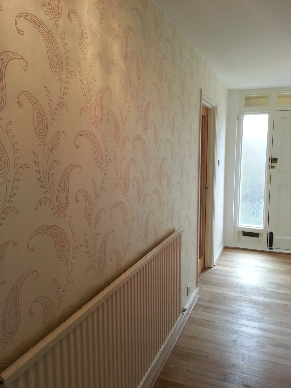 painting and wallpapering completed in Royal Wootton Bassett, Wiltshire