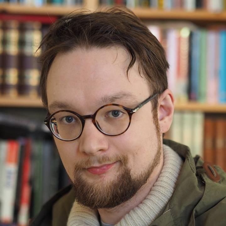 Janne M. Korhonen väittelee vuonna 2016 Aalto-yliopiston kauppakorkeakoulusta. Kaksikon maaliskuussa 2015 julkaisema Uhkapeli ilmastolla on käännöksineen myynyt yli 7000 kappaletta. Arvostelukappaleet ja haastattelut>heini.salminen@kosmoskirjat.fi