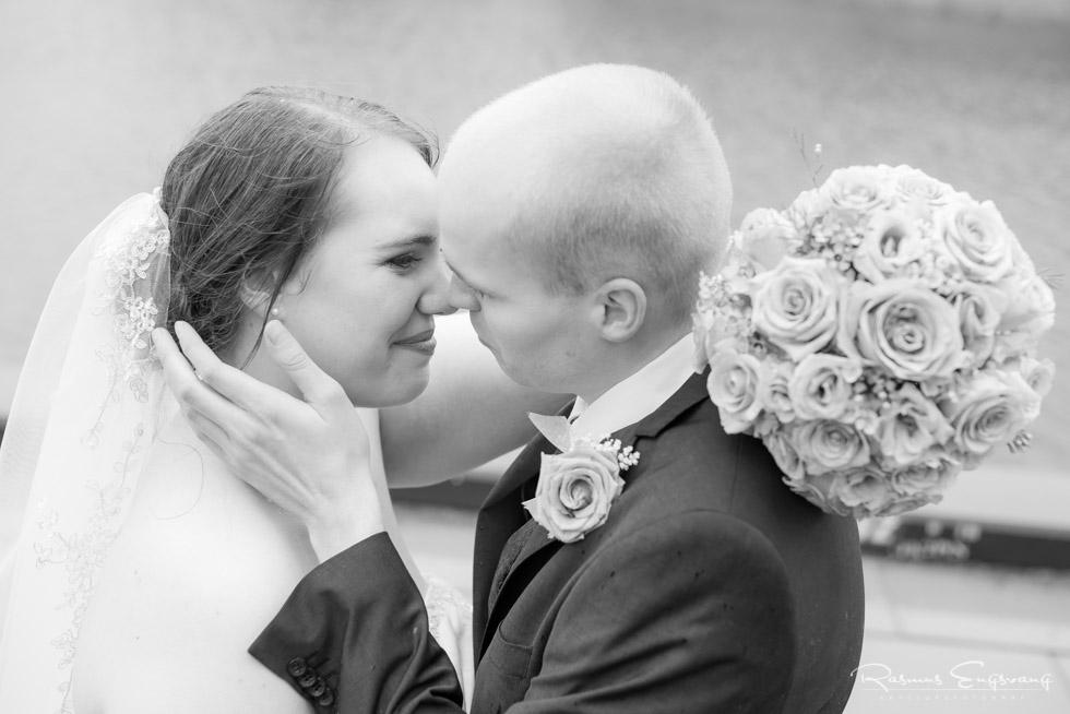 Sort-Hvid-Bryllupsbillede-bryllupsfotograf-Næstved-14.jpg