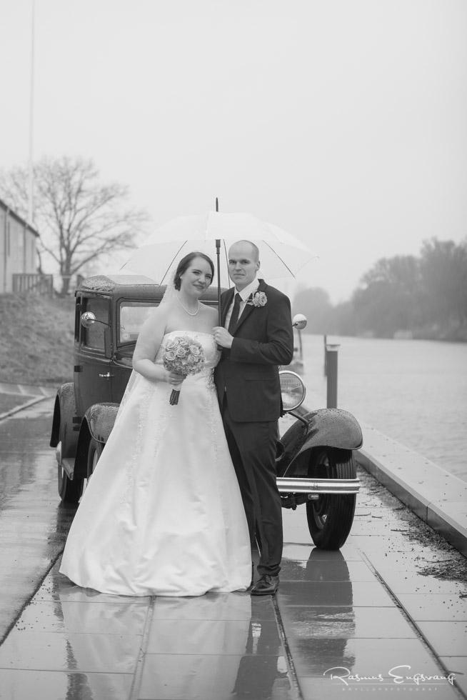 Veteranbil-Næstved-sort-hvid-bryllupsfotograf-16.jpg