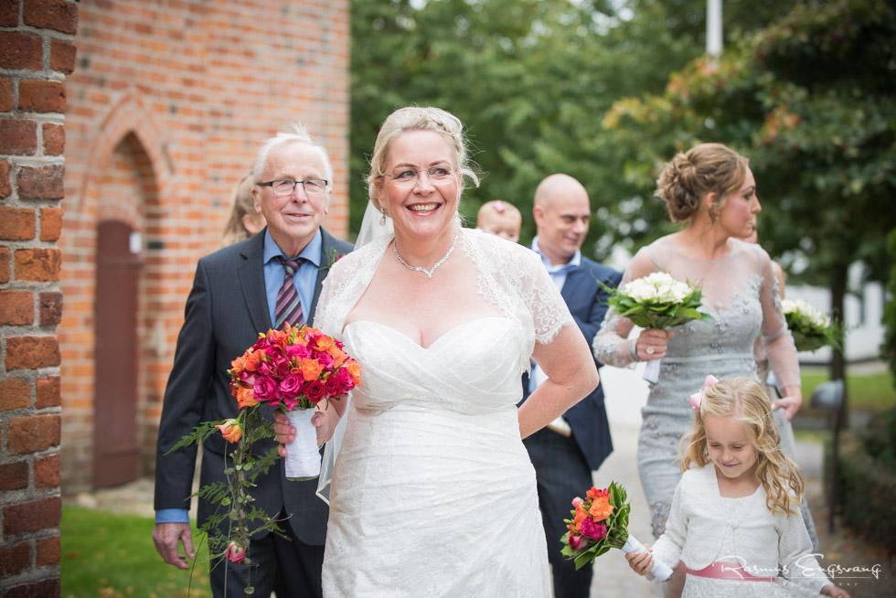 Farum-Kirke-Furesø-Marina-Bryllupsbilleder-bryllupsfotograf-103.jpg