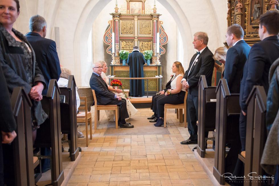 Farum-Kirke-Furesø-Marina-Bryllupsbilleder-bryllupsfotograf-108.jpg