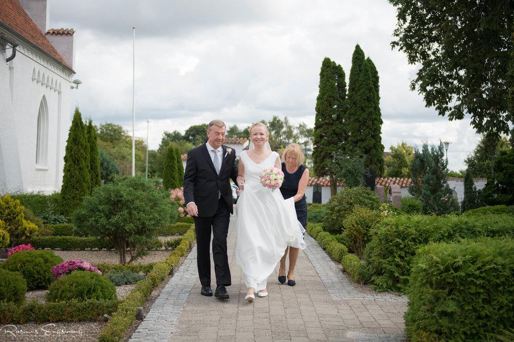 Bryllupsfotograf_Sjælland_Skælskør_Marvede_Fjordbakken-106.jpg