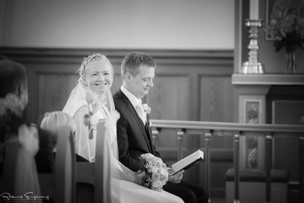 Bryllupsfotograf_Sjælland_Skælskør_Marvede_Fjordbakken-112.jpg