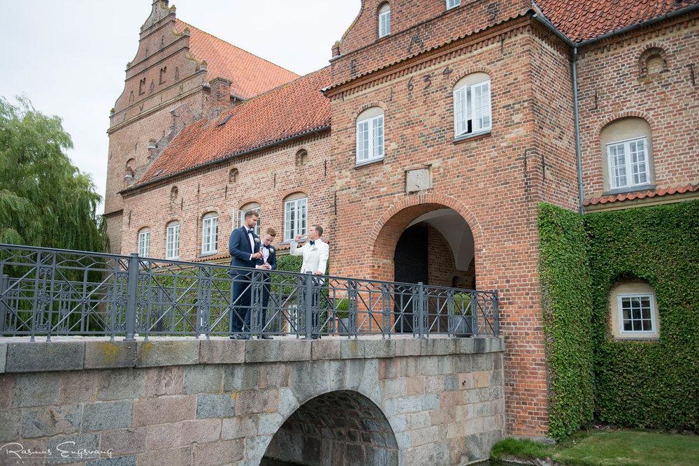 Bryllupsfotograf_Holckenhavn_Slot_Bryllup-131.jpg