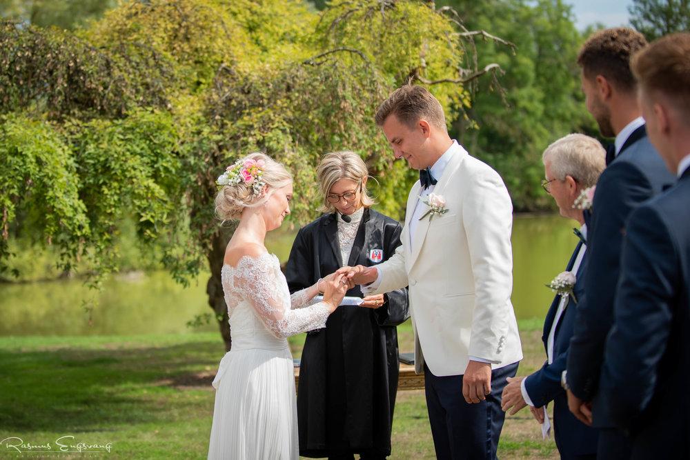 Bryllupsfotograf_Holckenhavn_Slot_Bryllup-232.jpg