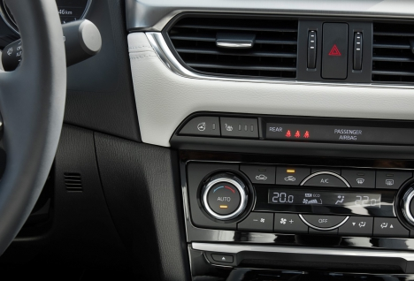 2017-mazda6_detail_heater-auto_02_hires-large-468x318,c.jpg