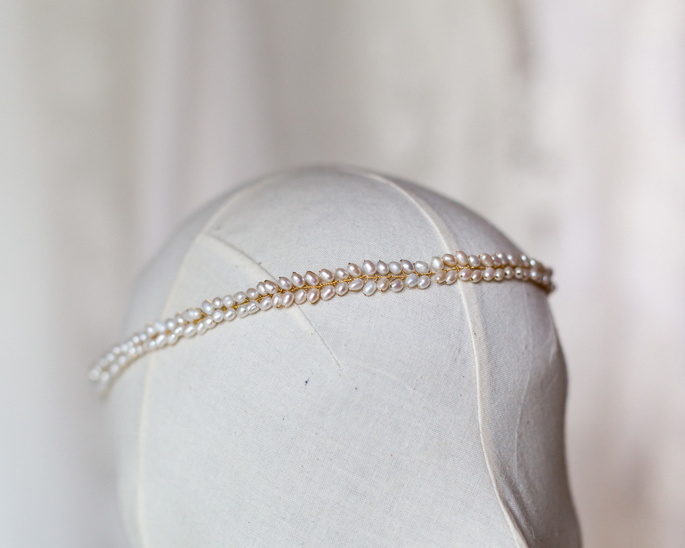 simple-bridal-pearl-headband-modern-boho-wedding