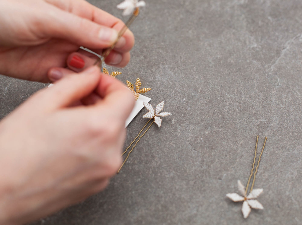 Blackbirdspearl-hamburg-bridal-hair-pins-flower-star-spray-white-and-gold-beaded