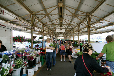 minneapolis-farmers-market-deenas-gourmet.jpg