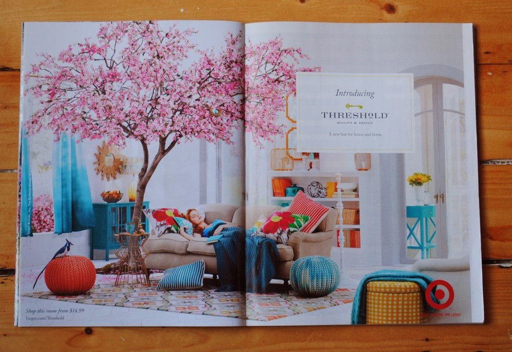 I have been energized by all of the fresh spring colors showing up in the print magazines! (Above) Target ad in the April issue of Traditional Home