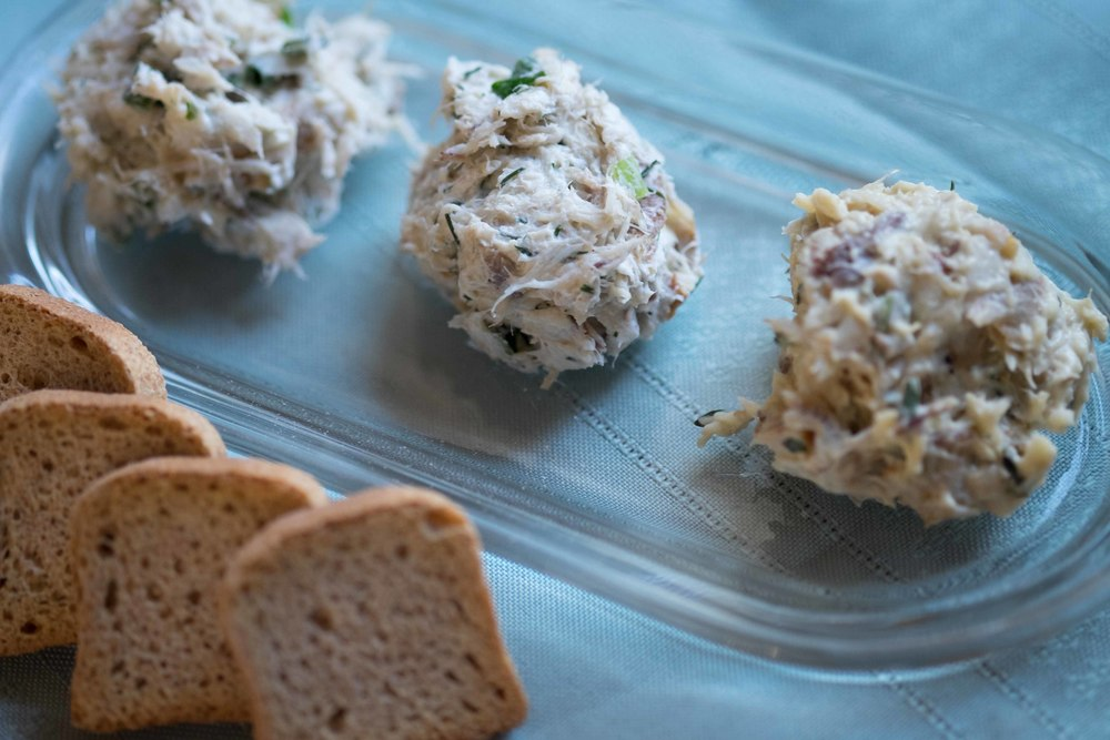 Smoked bluefish dip blue moon fish for Smoked fish spread