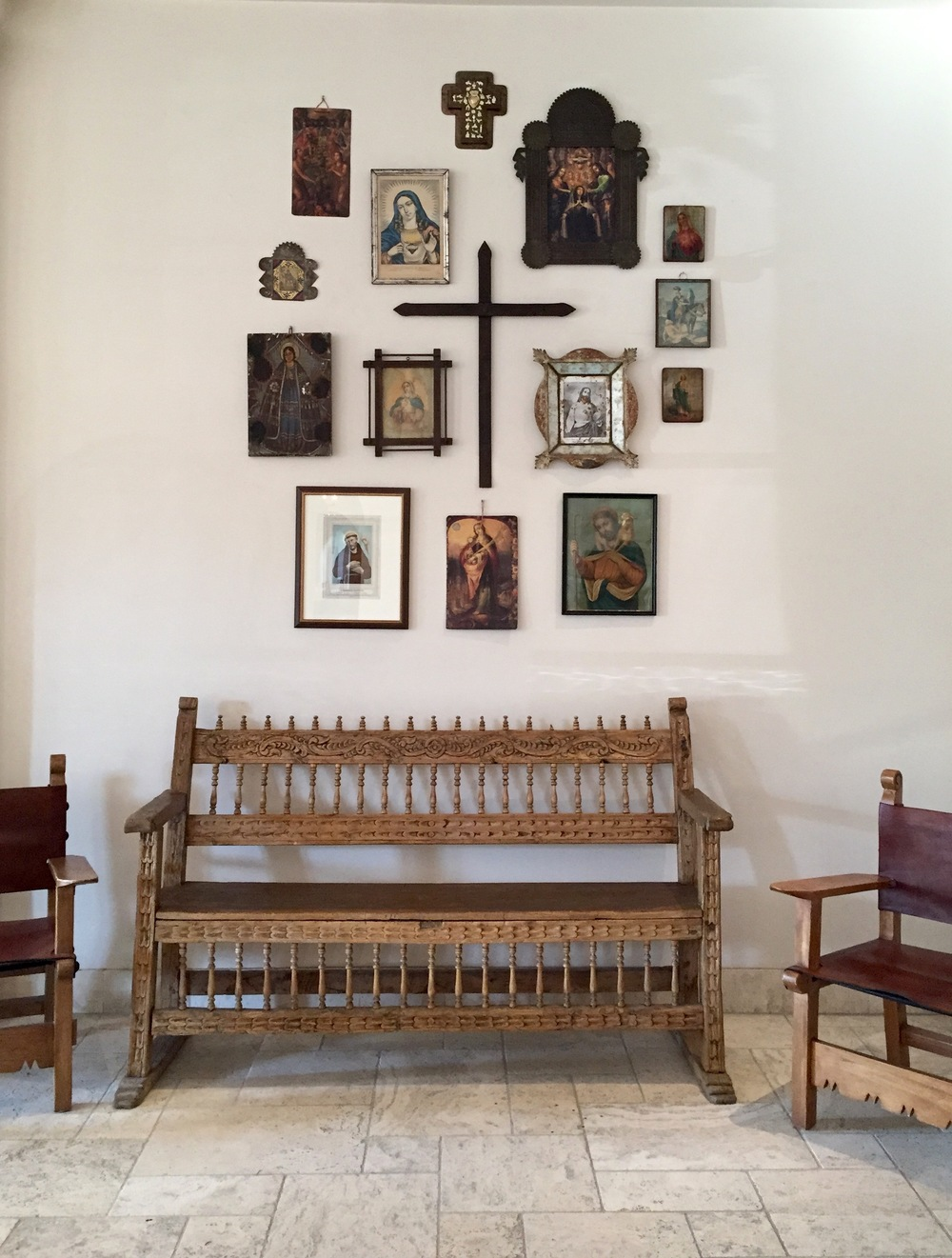 The perfect gallery wall, Santa Fe-style.