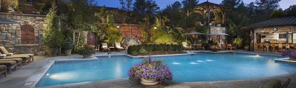 old-edwards-inn-spa-pool-highlands-nc.jpg